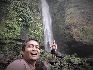 الشلال سيكومبول في بالي اندونيسيا